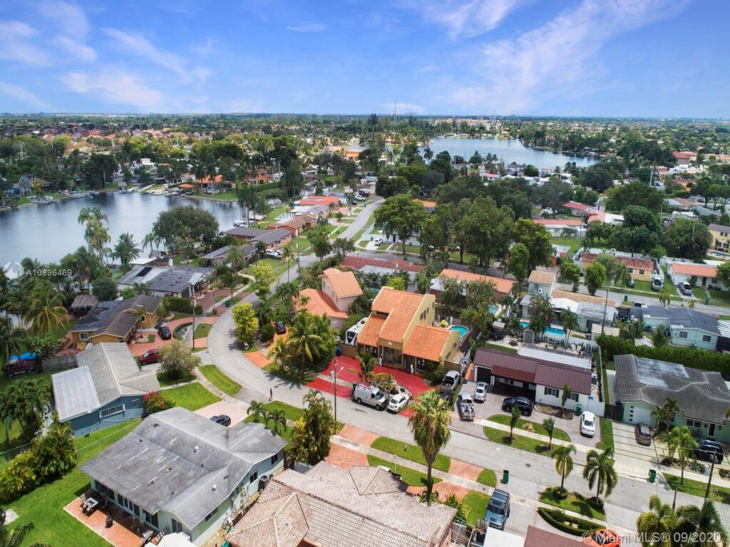 Palm Springs North FL-Miami Gardens Metal Roofing Installation & Repair Team
